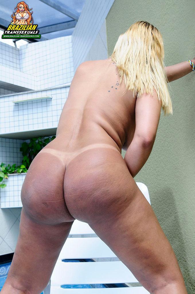 Curvy Blonde TGirl Babe