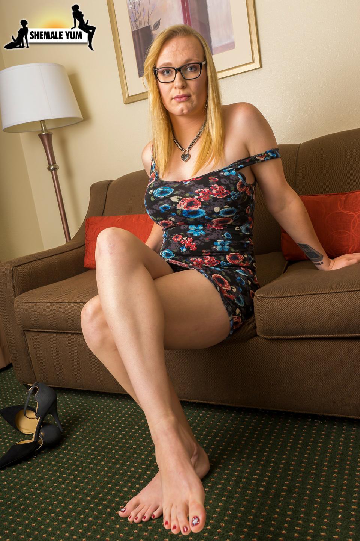 Flirtatious Blonde Sarah Silver!