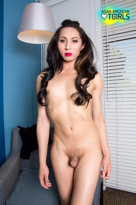 Gorgeous Thai Ladyboy Lexi Barb