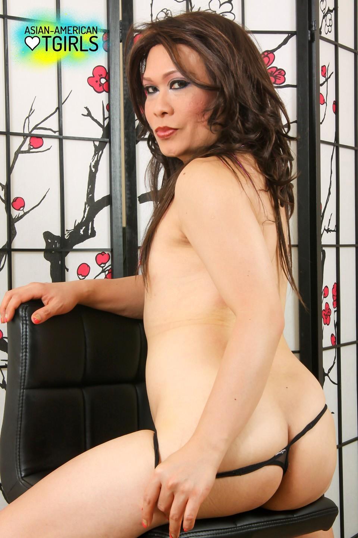 Mai Lee A Gorgeous Transexual Likes