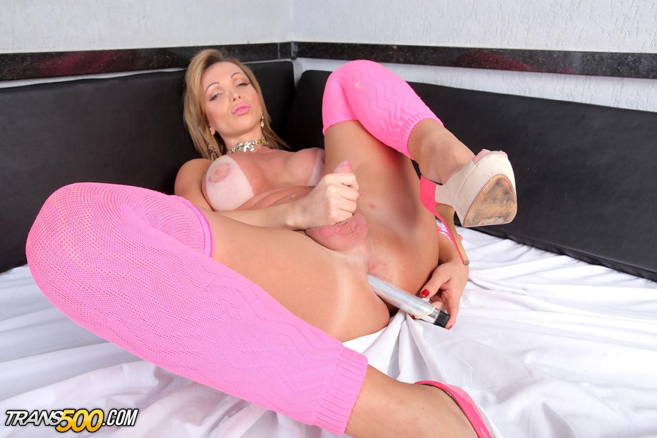The Beautiful Carla Novaes Enjoys Having Some Solo Fun!